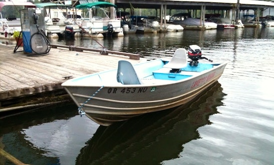 Rent 14' Klamath Dingy With A 8hp Outboard In Lakeside