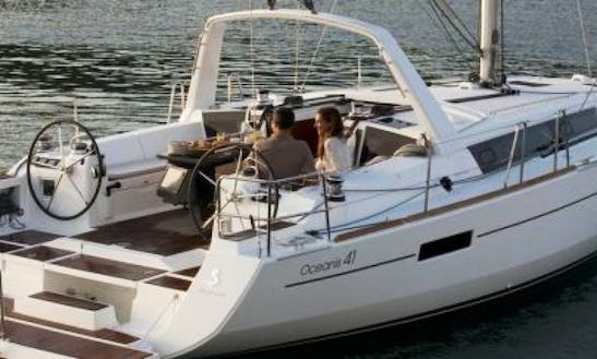 Sail Away On A Captained Charter - Oceanis 41 Sailboat - Etamin I In Pondetera, Italy