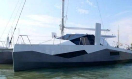 Cruise In Style On The Catamaran Diamante 555 - Speeg
