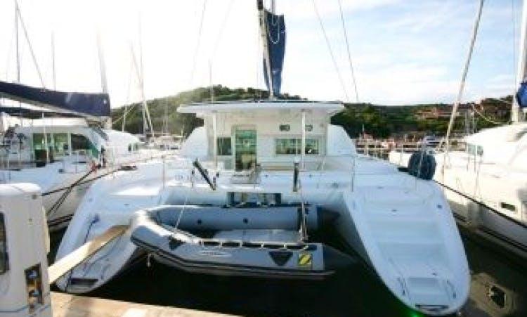 Charter in Italy Lagoon 440 - Via Libera