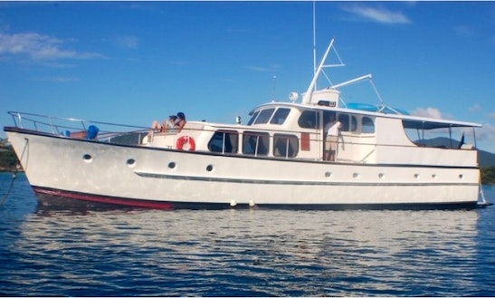 Flame Boat Charter In Charlotte Amalie