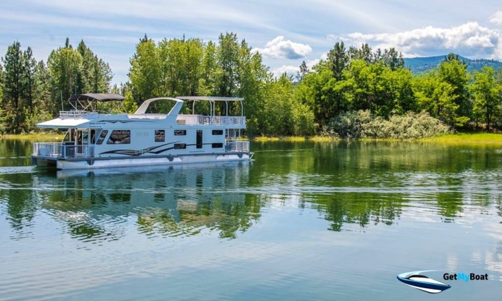 Elite Houseboat on Lake Roosevelt