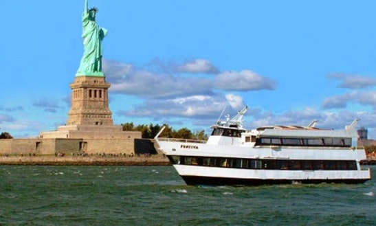 Enjoy New York, New York On 85ft