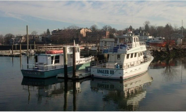 "Enjoy Fishing On 25ft ""Angler Xpress"" Boat In Port Washington, New York"