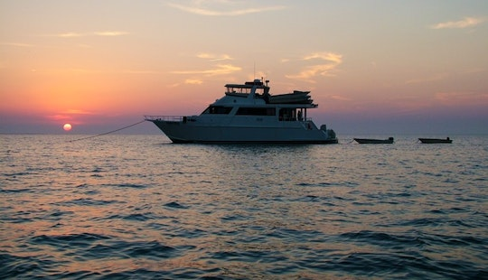Charter 72' Power Yacht In Gulfport