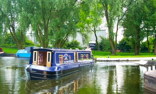 Elle's Belle 50' Canal Boat For Hire In Hoghton Uk