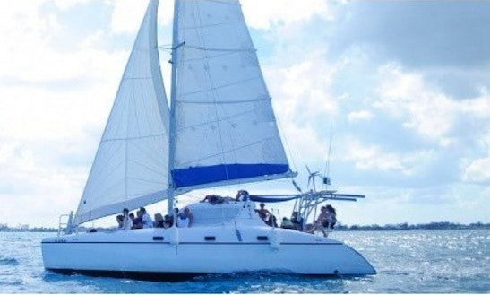 Private Sunset Tour With Open Bar On 38ft Sailing Catamaran In Cancún