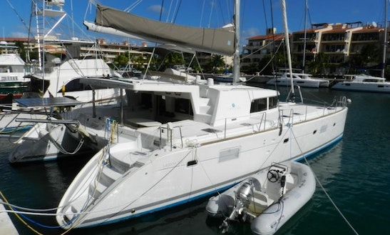 Charter The 50' Luxury Catamaran In Cancún, Quintana Roo