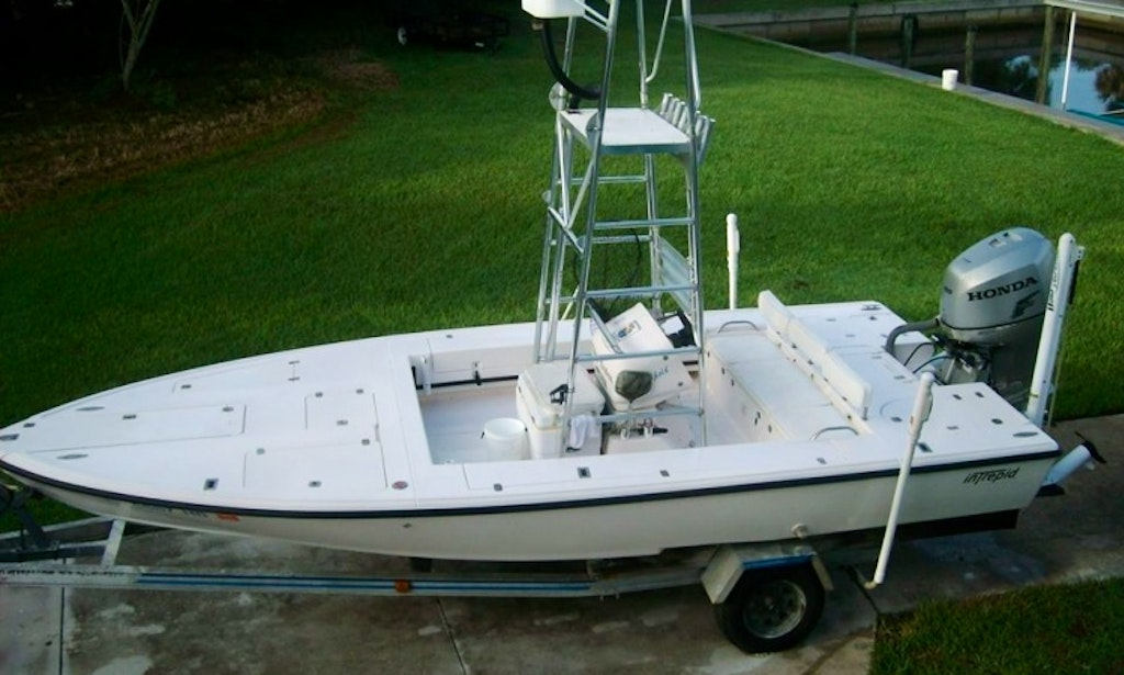 Florida fishing charter on 21 39 intrepid flats boat with for Florida fishing license phone number