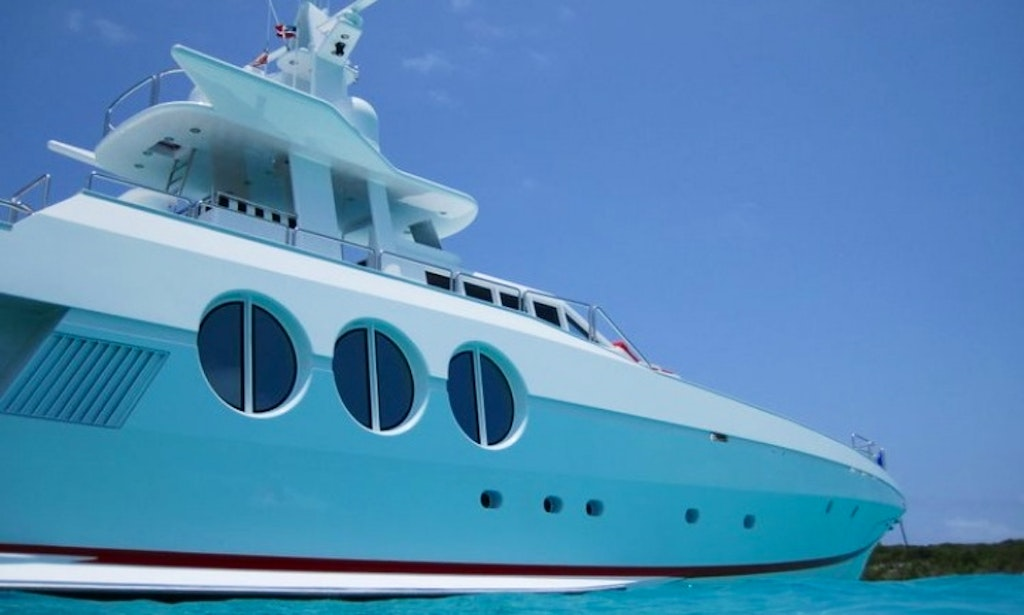 122' OceanFast Super Yacht Charter in Miami Beach-3