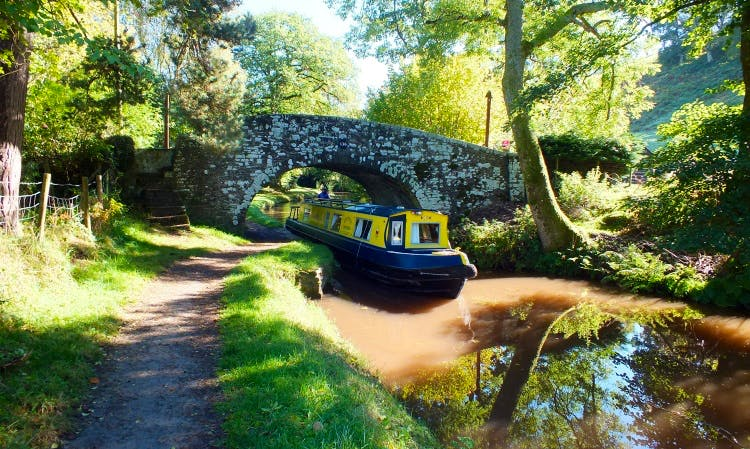Road House Narrowboats - Holiday Hire