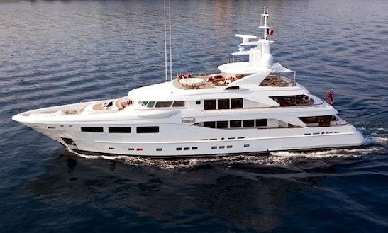 Charter Snowbird Luxury Mega Yacht In Bvi