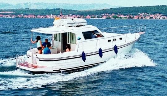 35' Adria 1002 V Charter In Zadar For 7 Pax