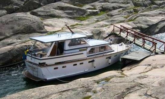 Rent Schultz Senator 40 Powerboat In Gothenburg, Sweden