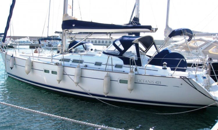Oceanis 423 Sailing Yacht Charter in Italy