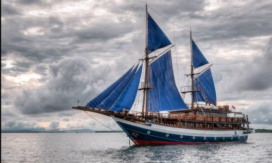 Amazing Gulet Safari Cruise In Bali, Indonesia For 23 Person