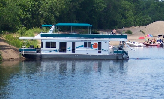 18' X 61' Stateroom Houseboat Rental