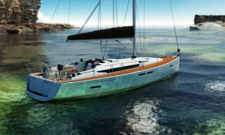 Jeanneau SO 439 Cruising Monohull Charter for 12 People in Hjellestad, Norway
