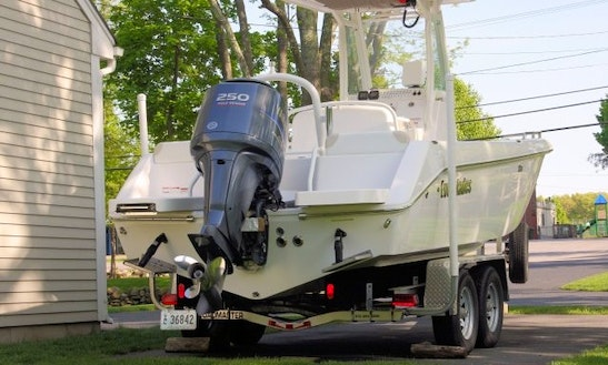 23ft Everglades Center Console Boat Fishing Charter In East Greenwich, Rhode Island