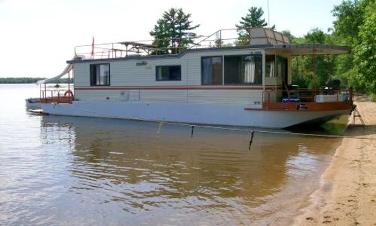 Houseboat Rental (sleeps 6-8) 52' X 14'