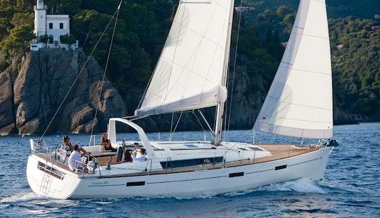 Charter A 3 Cabins Beneteau Oceanis Yacht In Muğla, Turkey
