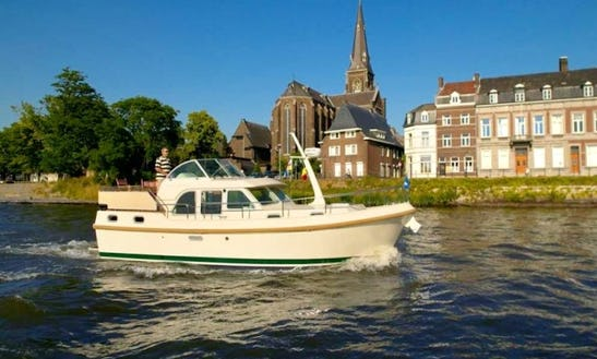 Charter A Linssen 29.9 Ac In The Netherlands