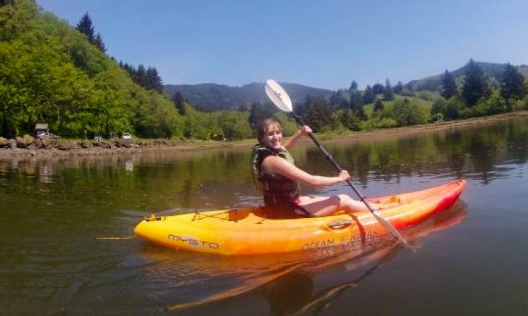 Stress Busting Kayak Trips in Lincoln City, Oregon
