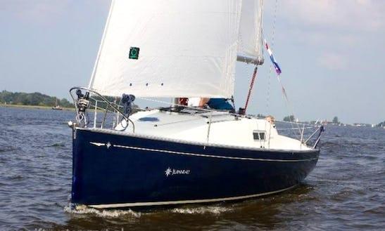 Charter Jeanneau Sun 25 In Friesland