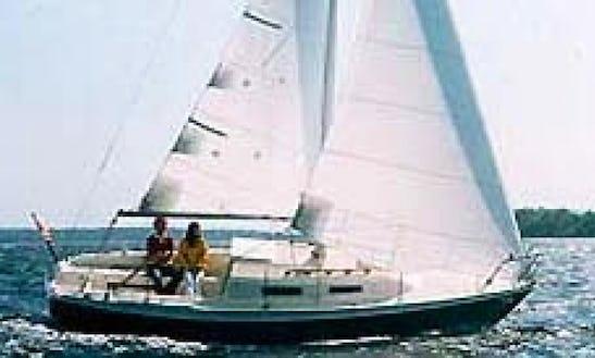 26' Cruising Monohull Rental In Boston, Massachusetts