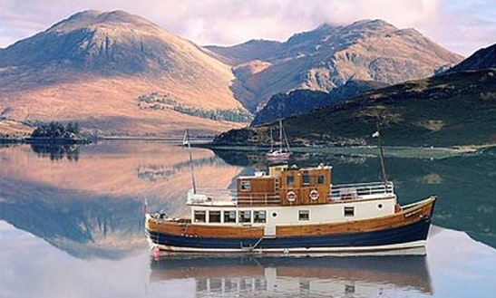 Glen Massan Trawler, Cruise Private Charter, Sandbank Scotland