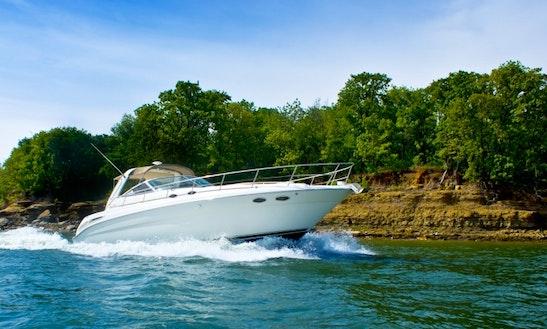 Lake Lewisville Motor Yacht Charter