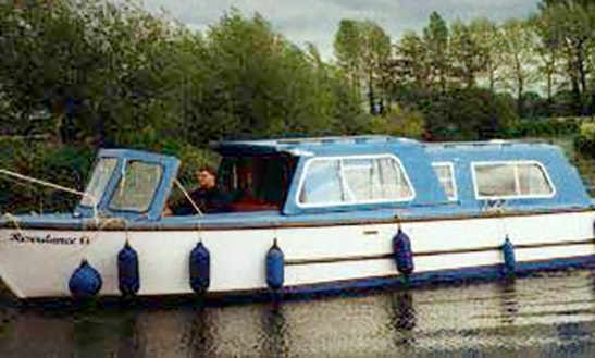 Book This 2-4 Berth River Cruiser In Thames, United Kingdom