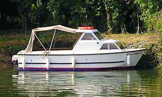 Basic Family Day Cruiser Rental - Upper Thames