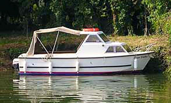 Basic Family Day Cruiser Rental - Upper Thames
