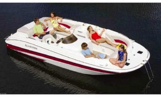 21' Glastron Deck Boat Rental (green)