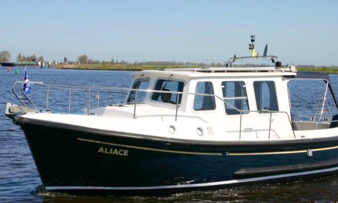 Rent a 27' Kent Motor Yacht in Friesland, Netherlands for 2 people
