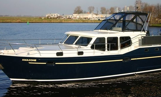 Charter A Luxurious Vacance 1200 Houseboat In Terherne, Netherlands