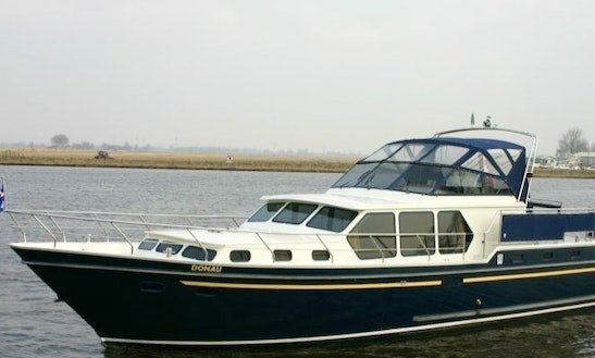 Valk-content 1300 Houseboat Rental In Terherne