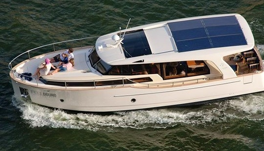 Greenline 33 Hybrid Motor Yacht Charter For 9 People In Portugal