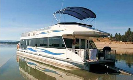 60' Houseboat Rental On Lake Koocanusa