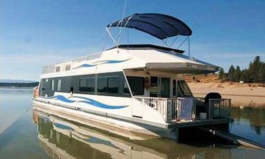 60' Houseboat Rental On Lake Koocanusa