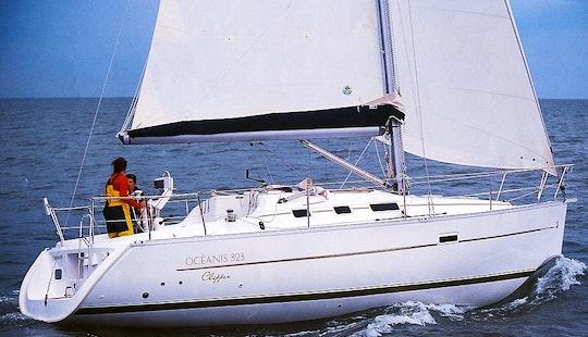 Sailing Yacht Charter In Ko Tao: Beneteau Oceanis Clipper 323
