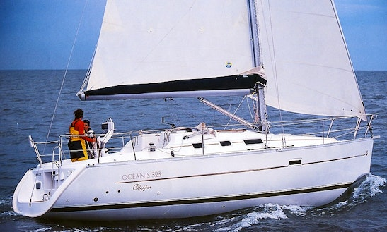 Sailing Yacht Charter In Ko Tao: Beneteau Oceanis Clipper 323