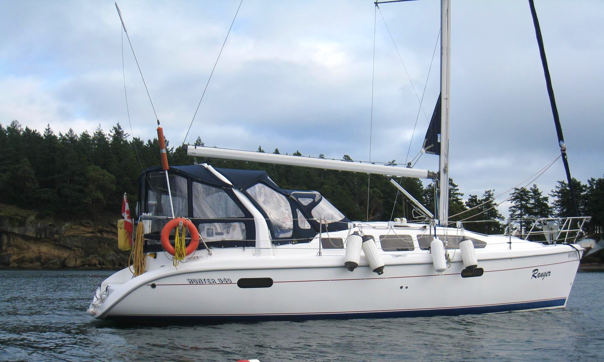 Daysailer Rental in Gibsons