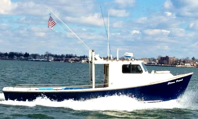 Fishing Charter On 32ft Sports Fisherman Yacht In New Rochelle, New York