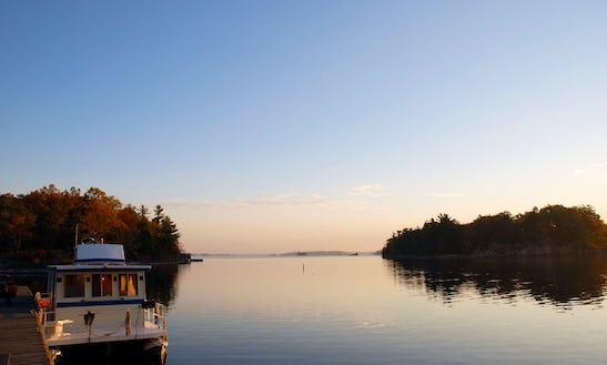 Houseboat Rental In Gananoque, Ontario