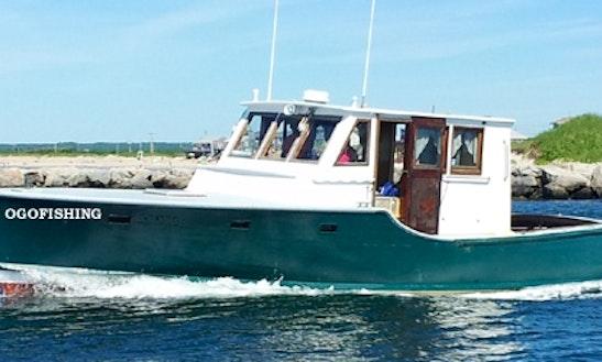 41ft Hatteras Sportfisherman Boat Charter In South Kingstown, Rhode Island
