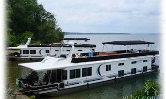 5 Bedroom Houseboat Rental In Leander, Texas