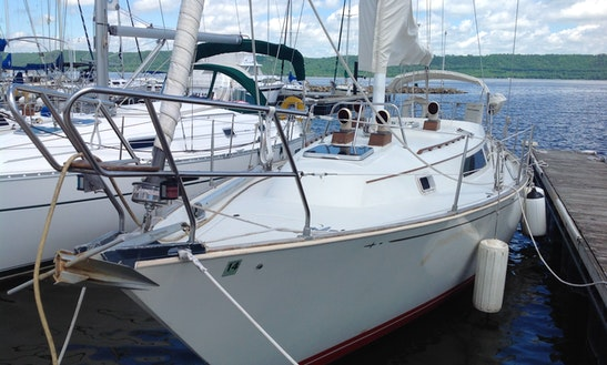 35' C&c Landfall Yacht Charter In Lake City
