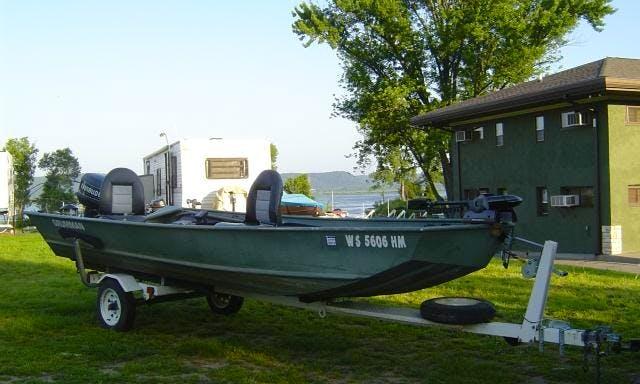 Rent 16' Grumman Fishing Boat in Stoddard, WI